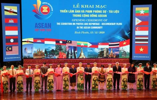Triển lãm ảnh và phim phóng sự - tài liệu về cộng đồng ASEAN năm 2020