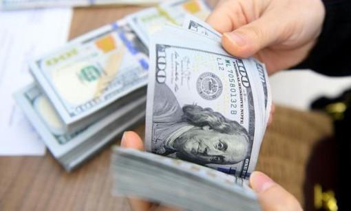Tỷ giá USD hôm nay 2-1: Lao dốc không phanh, chạm đáy thảm nhất trong nhiều năm