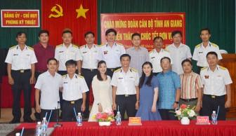 Tỉnh đoàn An Giang thăm, chúc Tết Phòng Kỹ thuật – Bộ Tư lệnh vùng 5 Hải quân