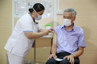 Thủ tướng Singapore tiêm vaccine COVID-19