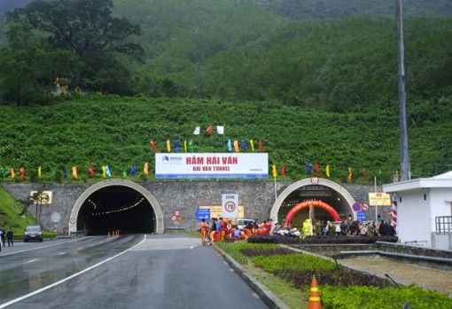 Thông xe hầm đường bộ dài nhất Đông Nam Á nối Đà Nẵng-Thừa Thiên-Huế