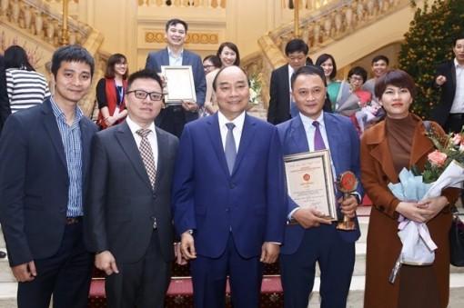 Giải Búa liềm vàng: Lan tỏa mạnh mẽ trong toàn xã hội về xây dựng Đảng