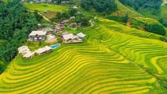 """Du lịch Việt Nam: Lách """"khe cửa hẹp"""" để """"chuyển mình"""""""