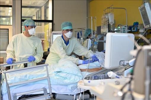 Số ca mắc COVID-19 tại châu Âu vượt 30 triệu người