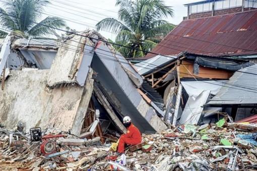 Động đất tại Indonesia: Mưa lớn cản trở công tác tìm kiếm, cứu nạn