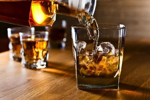 Xử trí thế nào khi bị ngộ độc rượu?
