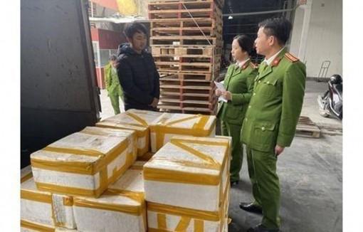 Thanh Hóa: Phát hiện xe tải vận chuyển 250kg cá khoai ướp phóc môn