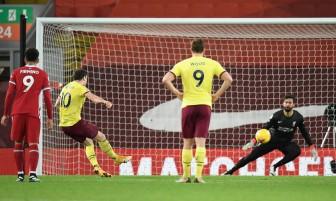 Liverpool thua bạc nhược: Dậy sóng ở Anfield