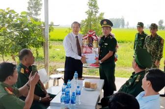 Phó Bí thư Thường trực Tỉnh ủy An Giang Lê Văn Nưng chúc Tết tại Tri Tôn và Châu Đốc