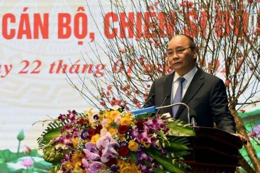 Thủ tướng Nguyễn Xuân Phúc thăm, chúc Tết chiến sĩ biên phòng và quân dân biên giới, hải đảo