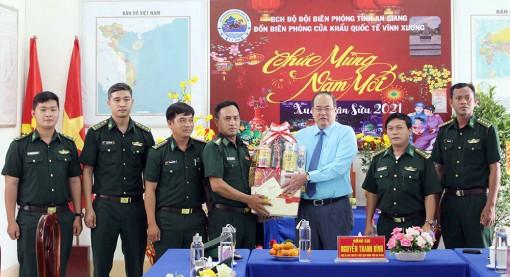 Chủ tịch UBND tỉnh An Giang Nguyễn Thanh Bình thăm, chúc Tết Đảng bộ, chính quyền và nhân dân TX. Tân Châu