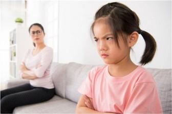 6 hành động sai lầm cha mẹ tuyệt đối không nên làm với con