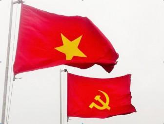 UBND tỉnh An Giang chỉ đạo việc treo cờ Đảng, cờ Tổ quốc đúng quy định