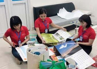 Quyên góp lịch cũ làm chữ Braille cho trẻ em khiếm thị