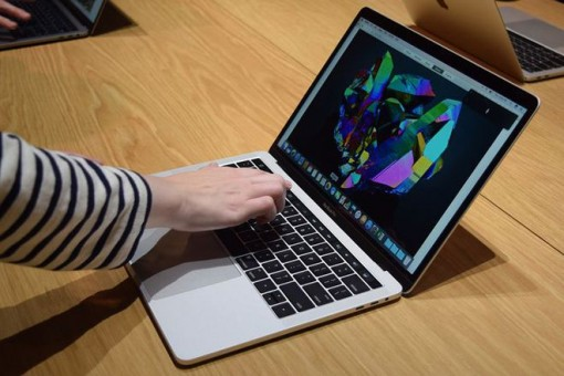 Apple sắp đưa khe cắm SD trở lại MacBook Pro