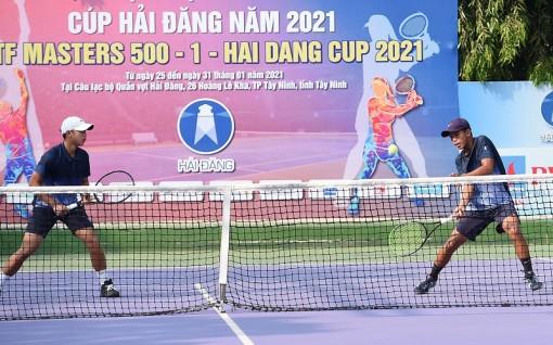 Khởi tranh Giải quần vợt nam - nữ quốc gia 2021