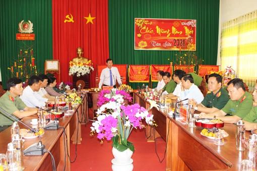 Phó Chủ tịch UBND tỉnh An Giang Lê Văn Phước thăm, chúc Tết tại huyện Thoại Sơn