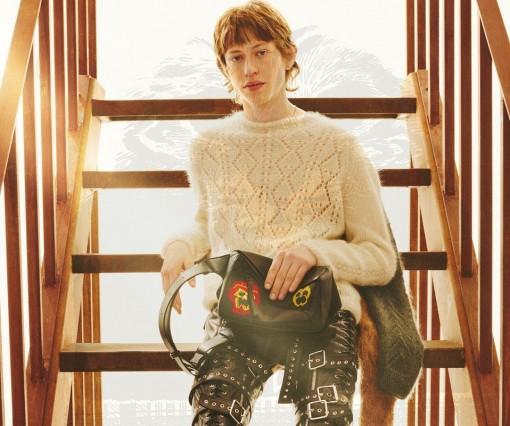 Bộ sưu tập Thu Đông 2021 của Loewe lấy cảm hứng từ con thiêu thân