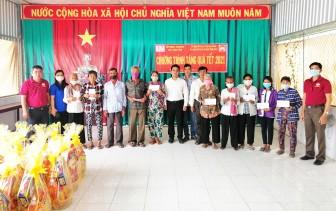 Thêm 500 phần quà Tết cho hộ nghèo huyện Tịnh Biên
