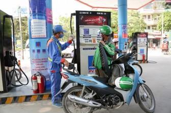 Giữ ổn định giá xăng, dầu trong nước sau khi tăng chi quỹ bình ổn