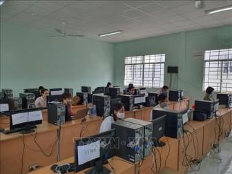 Gìn giữ, phát huy bản sắc dân tộc qua dạy tiếng Việt cho kiều bào