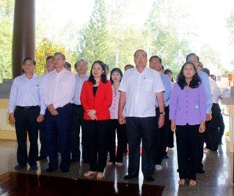 Thường trực Tỉnh ủy An Giang thăm và dâng hương đền thờ Chủ tịch Tôn Đức Thắng