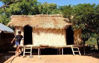 Phục dựng nhà dài để giữ gìn bản sắc văn hóa truyền thống dân tộc Mạ