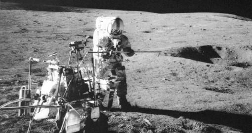 Sự thật về quả bóng golf đầu tiên xuất hiện trên Mặt trăng