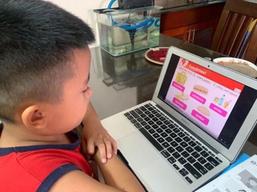 Quá tải học trực tuyến