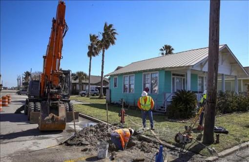 Hơn 7,9 triệu người dân Texas vẫn thiếu nước sạch sau bão tuyết