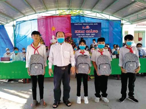 Các xã đầu nguồn, biên giới ở Tân Châu đẩy mạnh chăm lo công tác khuyến học