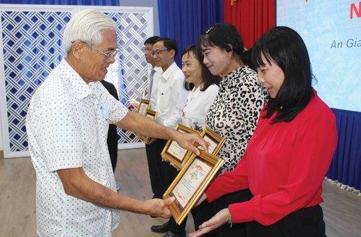 Tiếp tục tiếp sức cho tài năng Việt