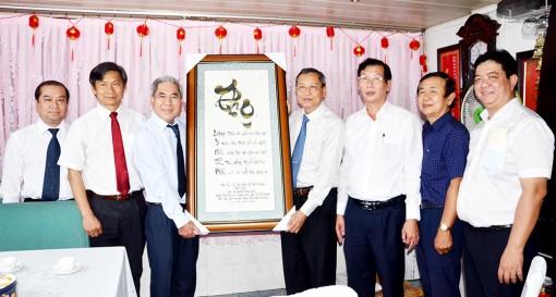 Thăm nguyên lãnh đạo Sở Y tế An Giang nhân ngày Thầy thuốc Việt Nam 27-2