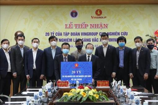 Tiếp nhận 20 tỷ đồng tài trợ nghiên cứu thử nghiệm lâm sàng vaccine COVID-19 'Made in Vietnam'
