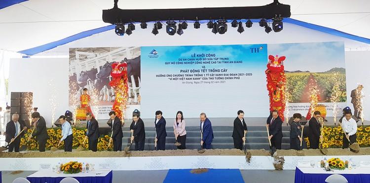 Khởi công dự án bò sữa lớn nhất ĐBSCL tại An Giang