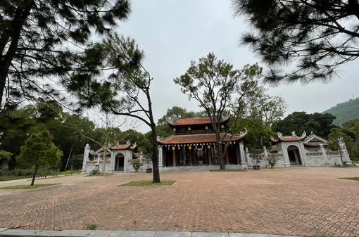 Côn Sơn - Kiếp Bạc vắng lặng trong ngày khai hội truyền thống