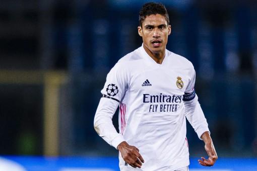 Liverpool mua Varane, Inter lấy Martial