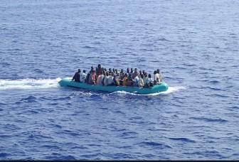 Bị bọn buôn người ném xuống biển, ít nhất 20 người di cư chết đuối