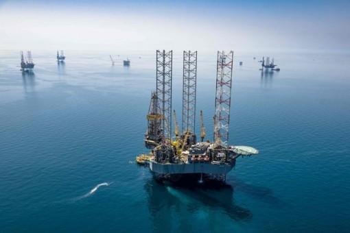 OPEC+ duy trì mức cắt giảm sản lượng trong tháng Tư