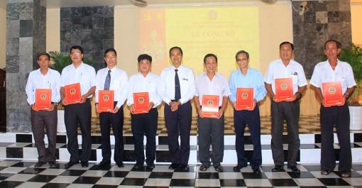 Tòa án nhân dân tỉnh An Giang công bố, trao quyết định bổ nhiệm hòa giải viên
