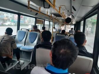 Hà Nội dừng giãn cách khách trên phương tiện công cộng vào 8-3