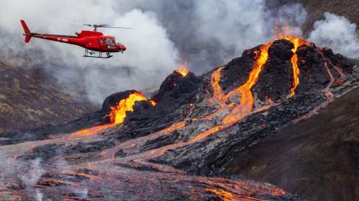 Hình ảnh núi lửa 6.000 năm tuổi phun trào ở Iceland
