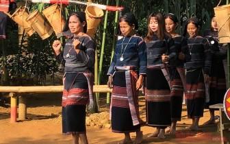 """Đón tháng 4 """"Việt Nam với những sắc màu dân tộc"""" tại Làng Văn hóa – Du lịch"""