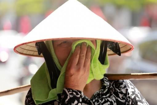 Khu vực Bắc và Trung Trung Bộ tiếp tục nắng nóng gay gắt, nhiệt độ có nơi trên 40 độ C