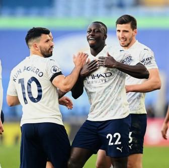 Leicester 0-2 Man City: Thẳng tiến tới ngôi vô địch