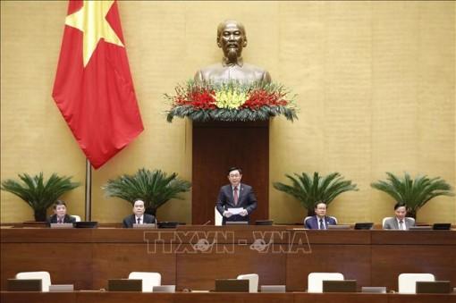 Quốc hội miễn nhiệm chức vụ Phó Thủ tướng Chính phủ và 12 bộ trưởng, trưởng ngành