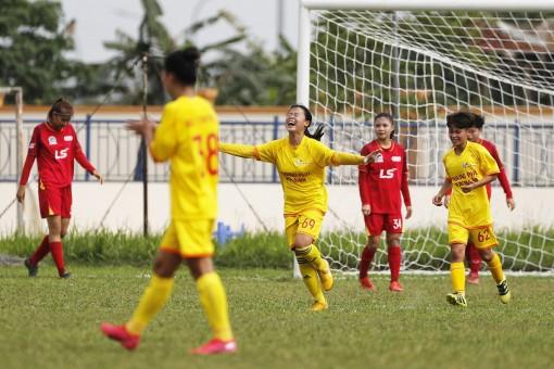 Phong Phú Hà Nam giành ba điểm muộn màng