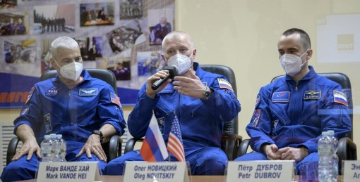 Ba nhà du hành vũ trụ Mỹ và Nga cập bến Trạm vũ trụ quốc tế