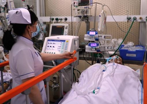 """Cứu sống bệnh nhân bị dao đâm xuyên ngực trái nhờ tận dụng """"thời gian vàng"""""""
