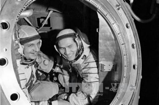Ra mắt ấn phẩm lưu trữ 'Chuyến du hành vũ trụ lịch sử'